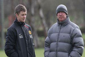 Alex Ferguson đang giúp đỡ Solskjaer tại Man Utd như thế nào?
