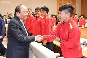 Thủ tướng: Hàng triệu con tim hướng về Đội tuyển Việt Nam!