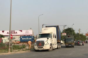 Truy đuổi tài xế container bỏ chạy sau khi cán tử vong người đi đường