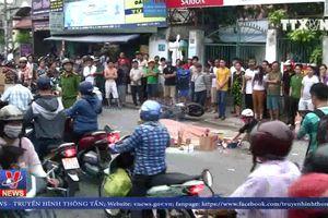 2 người chết do va chạm giữa xe máy và xe chở rác