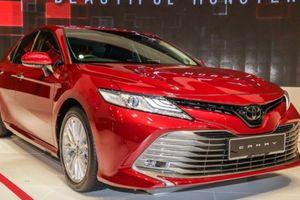 Toyota Camry 2019 ra mắt tại Singapore, chuẩn bị về Việt Nam