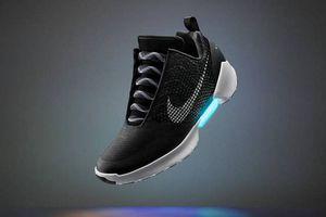 Nike sắp ra mắt giày bóng rổ có thể điều khiển qua smartphone