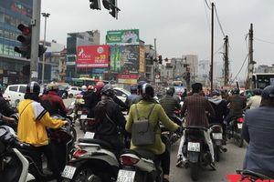 'Ngổn ngang' công trình đẩy giao thông Hà Nội vào thế tắc dịp cận Tết