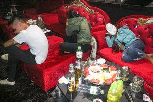 11 thanh niên dương tính ma túy trong bar Diamond