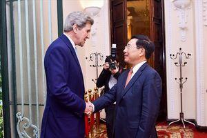 Ông John Kerry tiếp tục đóng góp cho nỗ lực thúc đẩy quan hệ Việt - Mỹ
