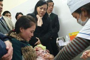Bộ trưởng Bộ Y tế: Trẻ tiêm vắc xin ComBE Five có phản ứng mới tốt