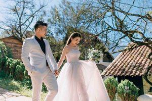 Ảnh cưới đẹp như mơ của cô dâu được đón bằng dàn xe Roll - Royce ở Nam Định