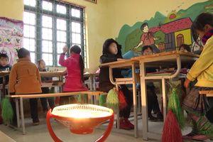 Trường học vùng cao: Nhiều biện pháp chống rét cho học sinh