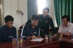 Ngư dân Việt Nam cứu hộ hai người Philippines trôi dạt trên vùng biển Trường Sa