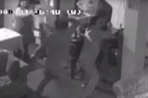 Người phụ nữ dùng chổi đánh trả cướp có súng