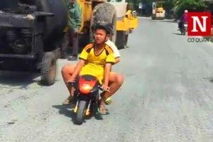 'Ruồi sắt', mô tô mini xuống phố: Phớt lờ sự an toàn của trẻ em