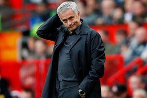 Man Utd cài điều khoản dị để ngăn Mourinho chia sẻ về chuyện bị sa thải
