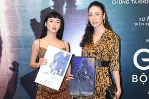 Siêu mẫu Thảo Phương - Vũ Quỳnh cùng dàn nghệ sĩ góp mặt trên thảm đỏ công chiếu 'Bộ ba quái nhân'