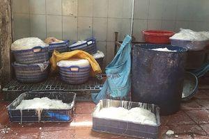 Thành phố Hồ Chí Minh phát hiện thực phẩm phục vụ Tết kém chất lượng