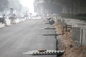 Sau nửa tháng cắt xén dải phân cách, những tuyến phố lớn ở Thủ đô giờ ra sao?