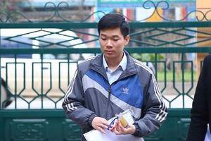 Bác sĩ Hoàng Công Lương xin giữ quyền im lặng tại tòa