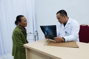 Ứng dụng kỹ thuật mới trong điều trị u tế bào khổng lồ thể nặng