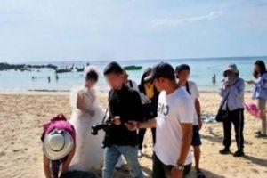 Khách Trung Quốc bị bắt vì chụp ảnh cưới trái phép ở Phuket