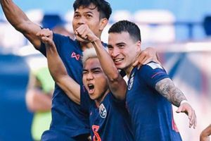 'Messi Thái Lan' chính thức lên tiếng về việc 'phản' thầy