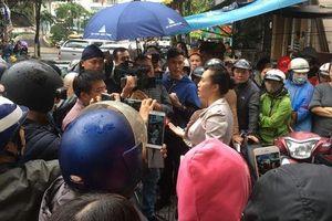 Người dân bao vây trụ sở Công ty Bách Đạt An vì lo chủ đầu tư 'lật kèo'