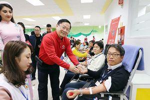 Hơn 1.000 nhân viên Samsung Thái Nguyên hiến máu hưởng ứng Chủ nhật Đỏ