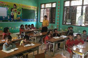 Giáo viên và tháng lương ngày Tết