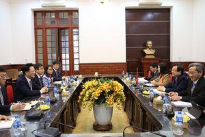 Phó Chánh án TANDTC Lê Hồng Quang tiếp Đoàn chuyên gia Hàn Quốc