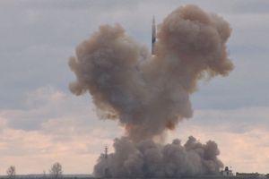 NI: Mỹ đang 'coi thường' tên lửa siêu thanh Avangard của Nga?