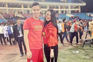 Dàn bạn gái tuyển thủ chia sẻ gì sau khi Việt Nam thắng Yemen?
