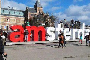 Người nước ngoài đổ về Amsterdam khiến giá nhà đất tăng kỷ lục