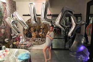 Miley Cyrus đang mang thai một bé gái?