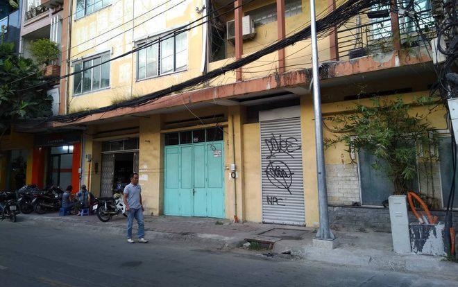 Người phụ nữ đập xe Mercedes giá 2 tỷ ở Sài Gòn có tiền sử bệnh tâm thần
