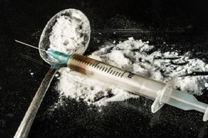 Bình Dương: Bất ngờ phát hiện một thanh niên nằm chết bên vệ đường nghi do sốc ma túy