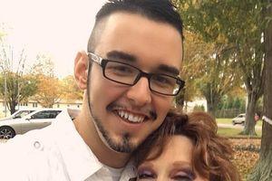 Chàng trai 18 tuổi trúng tiếng sét ái tình của cụ bà 71 tuổi