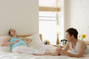 Vợ mang thai chồng nên kiêng gì?