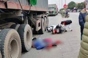 Tự ngã khi sắp sang đường, đôi nam nữ bị xe container cán tử vong tại chỗ