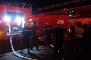 Cháy lớn ở cây xăng Nam Phương Long trên Quốc lộ 1A