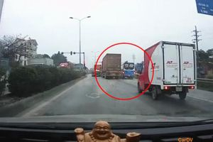 Tài xế tung clip minh chứng xe container không có lỗi trong vụ tai nạn ở Hải Dương