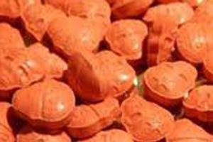 Phát hiện ma túy có hình thù lạ trong gói hàng chuyển phát nhanh từ nước ngoài về Hà Nội