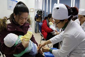 Nhận biết dấu hiệu bất thường của trẻ sau tiêm chủng
