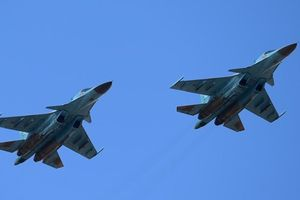 2 'xe tăng bay' Su-34 của Nga đâm nhau trên không