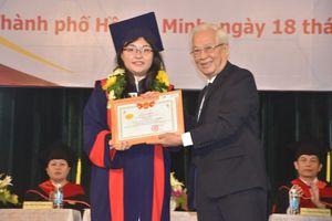 Hơn 1.000 cử nhân HUFLIT nhận bằng tốt nghiệp