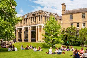 Đại học Oxford ngừng nhận tài trợ từ Huawei sau nhiều bê bối