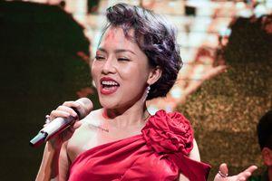 Thái Thùy Linh bùng cháy với nhạc Lê Uyên Phương sau 8 năm yên ắng