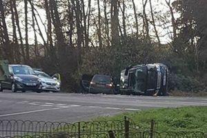 98 tuổi, phu quân nữ hoàng Anh vẫn lái xe, gặp tai nạn
