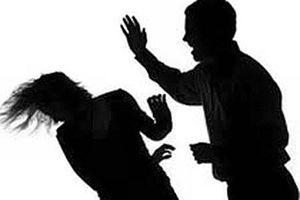 Chồng xuống tay với vợ vì ghen tuông