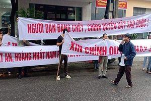 Hàng trăm người dân tụ tập đòi quyền lợi trong việc đầu tư đất đai tại khu vực Điện Bàn (Quảng Nam)