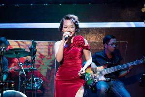 Thái Thùy Linh quyến rũ chinh phục khán giả Sài Gòn trong đêm nhạc riêng