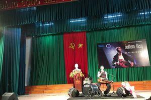 Độc đáo đêm nhạc 'Độc tấu đàn quay' lần đầu tiên tại Huế