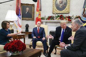 Tổng thống Mỹ hoãn chuyến công du nước ngoài của Chủ tịch Hạ viện